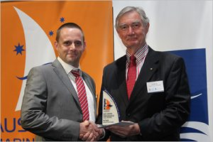 Darren receiving the AIMEX award